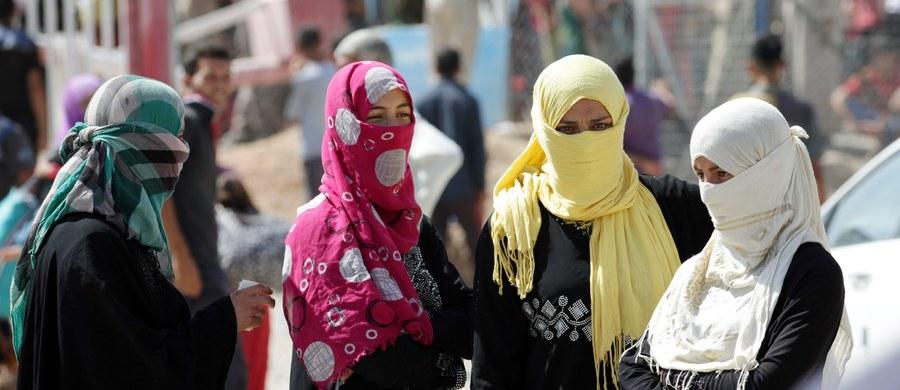Międzynarodowy Komitet Czerwonego Krzyża (MKCK) ostrzegł, że z okolic irackiego Mosulu w najbliższym czasie może uciec nawet milion osób. W ostatnim czasie walki o to miasto między iracką armią a dżihadystami wzmogły się.