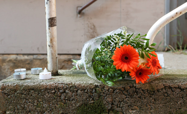 Polska społeczność w Reutlingen, w Niemczech, zamierza w sobotę upamiętnić 45-letnią Polkę, zabitą w minioną niedzielę przez jej partnera. Według władz miejskich marsz milczenia, zaplanowany na godz. 18, odbędzie się w pobliżu miejsca zbrodni, dokonanej w centrum miasta.