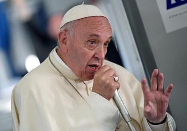 Papież Franciszek w samolocie: Nie lubię, kiedy mówi się, że młodzi mówią głupoty