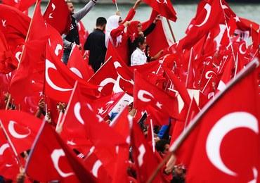 """Erdogan oskarża Zachód o """"wspieranie terroryzmu i spiskowców"""""""