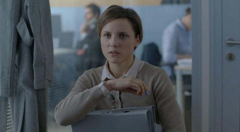 """Film dyplomowy Klary Kochańskiej """"Lokatorki"""" znalazł się w finałach rywalizacji o studenckiego Oscara w kategorii obcojęzyczny film fabularny. Jest jedynym polskim obrazem, który powalczy o nagrodę - informuje łódzka Szkoła Filmowa."""