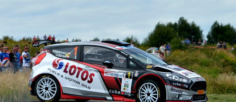 Kajetan Kajetanowicz i Jarek Baran doskonale rozpoczęli rywalizację w Rajdzie Rzeszowskim. Rajdowi Mistrzowie Europy byli najszybsi na odcinku kwalifikacyjnym przed polską rundą FIA ERC.
