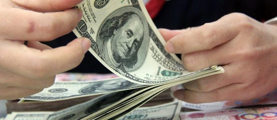 Na rok więzienia w zawieszeniu na trzy lata i grzywnę w wysokości 2250 zł skazał w piątek sąd Okręgowy w Lublinie obywatela Gruzji - Iraklego G., którego uznał winnym prania brudnych pieniędzy. Chodzi o blisko 30 tys. dolarów pochodzących z przestępstwa dokonanego na szkodę firmy na Filipinach. Irakli G. ma też zapłacić niespełna 2 tys. zł kosztów i wydatków sądowych.