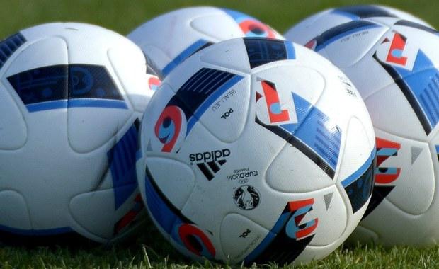 Nowo powstała portugalska stacja telewizyjna Sport TV+ zaangażowała do komentowania meczów trzech księży katolickich. Każdy jest kibicem innego klubu: Benfiki Lizbona, Sportingu Lizbona oraz FC Porto.