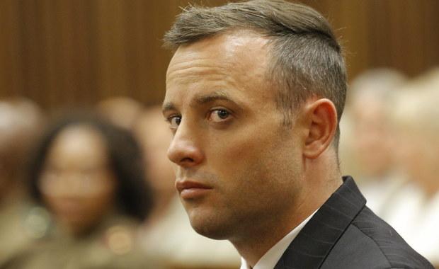 Były niepełnosprawny lekkoatleta Oscar Pistorius znalazł się w szpitalu. Spadł z łóżka w swojej celi w więzieniu w Pretorii, gdzie odbywa karę za zamordowanie w 2013 roku swej partnerki Reevy Steenkamp. Południowoafrykańskie media twierdzą, że sportowiec próbował popełnić samobójstwo.