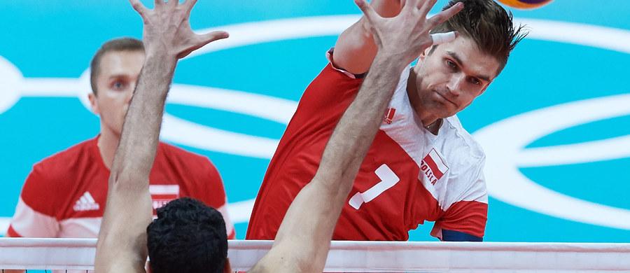 Polscy siatkarze wygrali z Egipcjanami 3:0 (25:18, 25:20, 25:17) w pierwszym meczu tych ekip w grupie B w turnieju olimpijskim w Rio de Janeiro. W kolejnym spotkaniu, we wtorek, biało-czerwoni zmierzą się z Irańczykami.