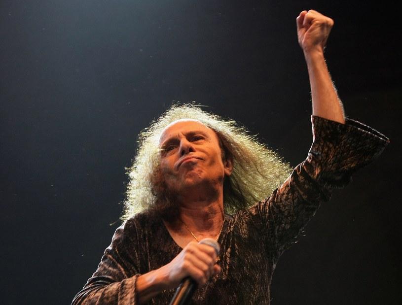Zmarły w 2010 r. Ronnie James Dio pojawił się na scenie Wacken Open Air (Niemcy) jako hologram.