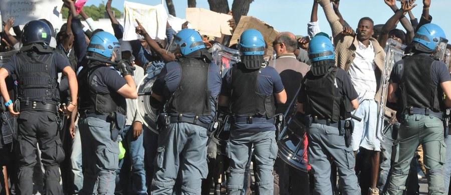 Rośnie napięcie na granicy francusko-włoskiej w związku z przedzieraniem się nielegalnych imigrantów na Francuską Riwierę. Funkcjonariusze alarmują, że jest ich za mało - żądają od władz w Paryżu natychmiastowego przysłania nadzwyczajnych sił policji.