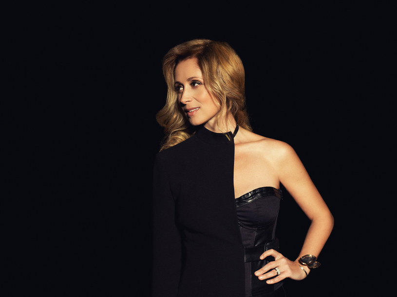 Po przerwaniu trasy przez Larę Fabian, nie odbyły się jej trzy majowe koncerty w Polsce. Teraz belgijska wokalistka podała nowe daty swoich występów.