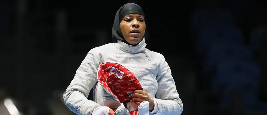 """""""Mimo niepowodzenia to było piękne doświadczenie, które na zawsze zapamiętam"""" - przyznała szablistka Ibtihaj Muhammad, pierwsza amerykańska sportsmenka, która wystąpiła w igrzyskach olimpijskich w hidżabie. Muzułmanka odpadła w 1/8 finału."""