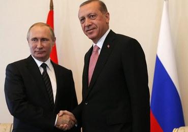 Putin: wizyta Erdogana dowodem na gotowość wznowienie dialogu po 9 miesiącach kryzysu