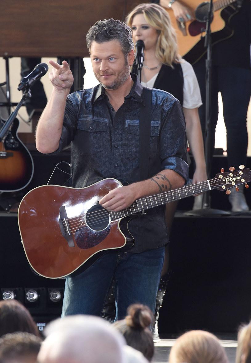 Gwiazdor country Blake Shelton wdał się w internetową dyskusję z kontrowersyjnym, fundamentalistycznym Kościołem Baptystycznym Westboro.
