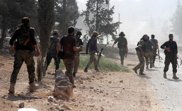Rządowe siły syryjskie i oddziały ich sojuszników odbiły z rąk rebeliantów obszary w południowo-zachodniej części miasta Aleppo - podały sprzyjające władzom w Damaszku libańskie telewizje Al-Majadin oraz Al-Manar, należąca do organizacji Hezbollah.