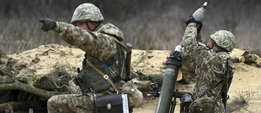 """Służby specjalne Ukrainy przekazują brytyjskiej armii informacje o przebiegu konfliktu na wschodzie Ukrainy i szczegółach operacji podejmowanych przez Rosję - poinformował dziennik """"The Times"""". Według gazety, doświadczona grupa wojskowych odwiedziła w ubiegłym miesiącu Wielką Brytanię, aby odbyć serię spotkań dotyczących działań rosyjskiej armii na wschodzie Ukrainy, w tym użycia broni radioelektronicznej, aktów sabotażu i dezinformacji w mediach społecznościowych."""