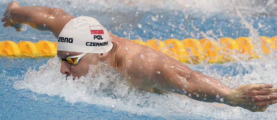 Konrad Czerniak (AZS AWF Katowice) z dziesiątym czasem (51,81) awansował do półfinału na 100 m st. motylkowym igrzysk olimpijskich w Rio de Janeiro. Paweł Korzeniowski (AZS AWF Warszawa) uzyskał 33. wynik (53,71) i odpadł w eliminacjach.