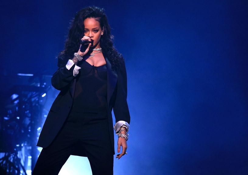 28  sierpnia Rihanna na gali rozdania nagród MTV VMA otrzyma wyjątkowe wyróżnienie – Michael Jackson Video Vanguard Award. Statuetka przyznawana jest gwiazdom, które miały znaczący wpływ na muzykę, popkulturę, modę i film.  Jak wygląda dotychczasowa kariera Rihanny w liczbach?