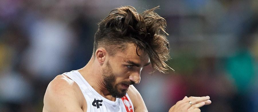 """Aktualny wicemistrz świata w biegu na 800 m Adam Kszczot (RKS Łódź) nie awansował do finału olimpijskiego w Rio de Janeiro. """"Nie mogłem pobiec szybciej"""" - powiedział w wywiadzie dla TVP bezpośrednio po biegu półfinałowym. Zajął w nim trzecie miejsce, a łącznie uzyskał dziewiąty wynik (1.44,70)."""