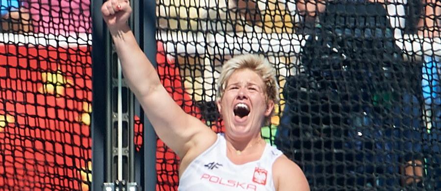 Złoty medal olimpijski, rekord świata, zawody życia - podsumowała swój poniedziałkowy start w Rio de Janeiro Anita Włodarczyk. Wynikiem 82,29 poprawiła należący do niej rekord globu. Srebro w rzucie młotem wywalczyła Chinka Wenxiu Zhang - 76,75, a brązowy Brytyjka Sophie Hitchon - 74,54.