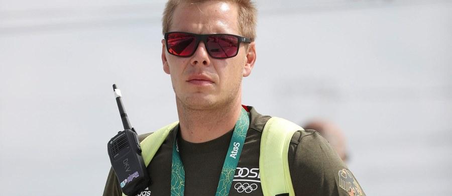 Zmarł Stefan Henze, asystent głównego trenera niemieckiej kadry kajakarzy górskich, który w piątek doznał poważnych obrażeń w wyniku wypadku samochodowego w Rio de Janeiro - poinformował Niemiecki Komitet Olimpijski (DOSB).