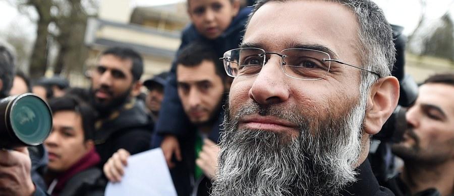 """Działający w Wielkiej Brytanii radykalny imam Anjem Choudary, któego dziennik """"Guardian"""" nazwał """"kaznodzieją nienawiści"""", został uznany za winnego wspierania Państwa Islamskiego i nawoływania do składania przysiąg wierności przywódcy ISIS Abu Bakr al-Bagdadiemu."""