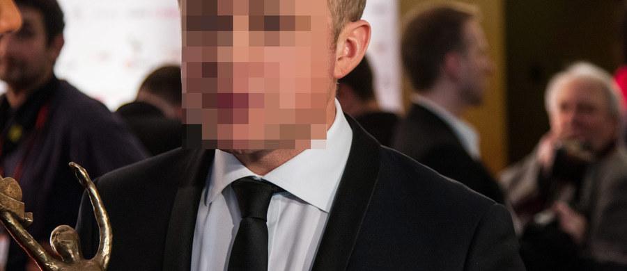 """Znany aktor Piotr A. usłyszał zarzut spowodowania wypadku drogowego we wrześniu 2013 roku. Ucierpiała w nim Weronika Rosati. To właśnie ona zdecydowała się złożyć wniosek o ściganie sprawcy - informuje """"Fakt""""."""
