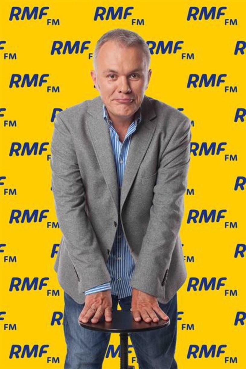 """""""Poranna Rozmowa w RMF FM"""" - to tytuł nowej audycji, która we wrześniu zadebiutuje w ramówce stacji. Jej gospodarzem będzie Robert Mazurek - poinformował portal Wirtualnemedia.pl"""