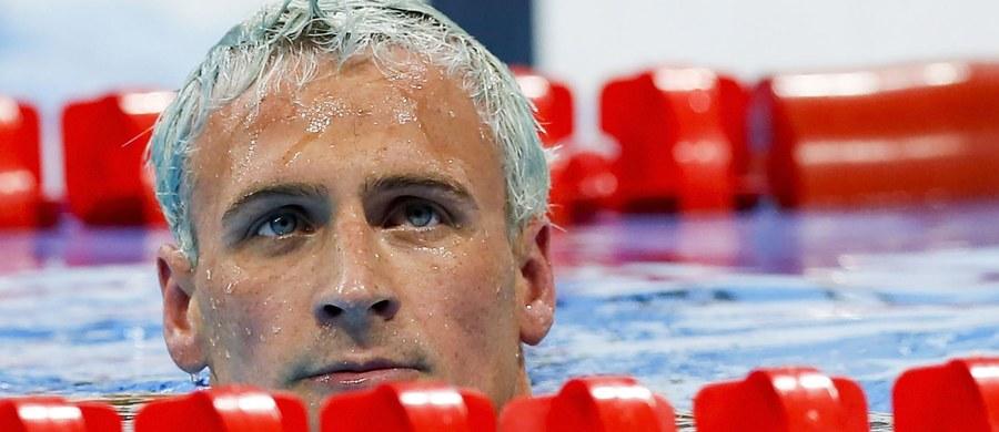 Amerykański pływak Ryan Lochte, który w czasie igrzysk olimpijskich w Rio de Janeiro wymyślił sobie, że napadnięto go na stacji benzynowej, został ukarany dziesięciomiesięczną dyskwalifikacją - poinformowały komitet olimpijski oraz federacja pływacka tego kraju.