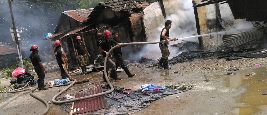 Bojownicy w północno-wschodnich Indiach płacą dzieciom, by podkładały bomby. Do podobnych sytuacji dochodziło w objętym konfliktem Kaszmirze.