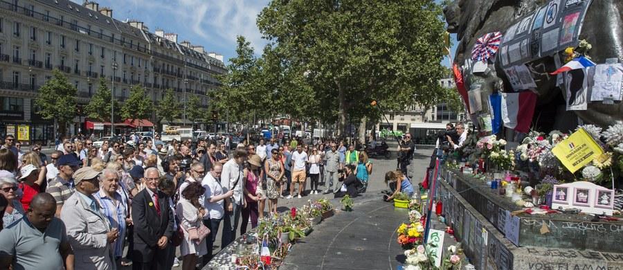 Mężczyzna ranny w zamachu terrorystycznym w Nicei zmarł w szpitalu - poinformowała francuska sekretarz stanu Juliette Meadel. Tym samym liczba ofiar ataku wzrosła do 86 osób.