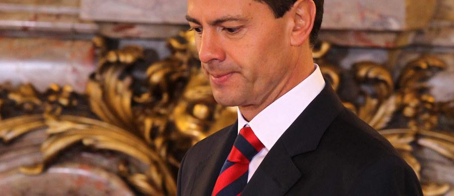 Niemal jedna trzecia pracy licencjackiej prezydenta Meksyku Enrique Pena Niety to plagiat - wynika z artykułu opublikowanego przez zespół dziennikarzy śledczych. Przyszły szef państwa dopuścił się oszustwa podczas studiów na wydziale prawa w 1991 roku.