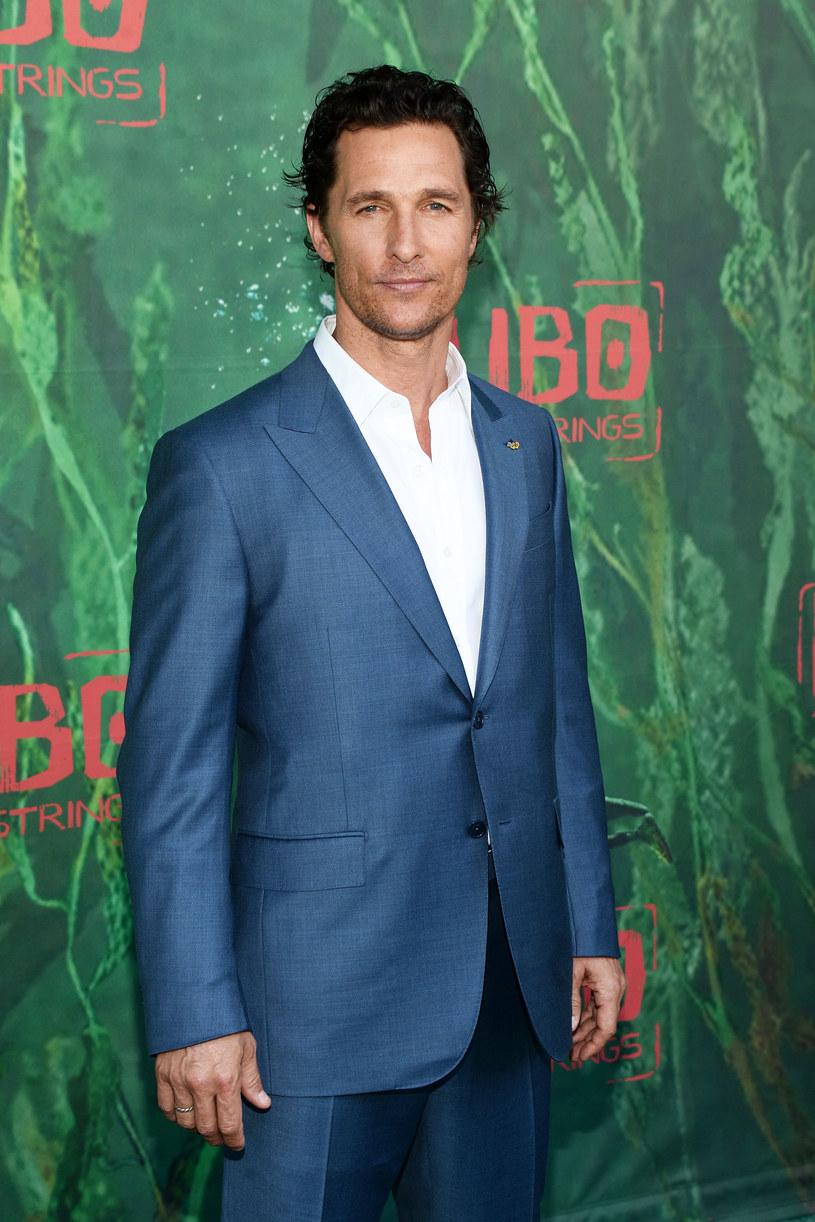 Mało kto wie, że hollywoodzki gwiazdor Matthew McConaughey jest nie tylko aktorem, ale również YouTuberem. Jego aktywność na popularnym portalu jest jednak znikoma. W przeciągu dwóch lat aktor zamieścił tylko sześć nagrań.
