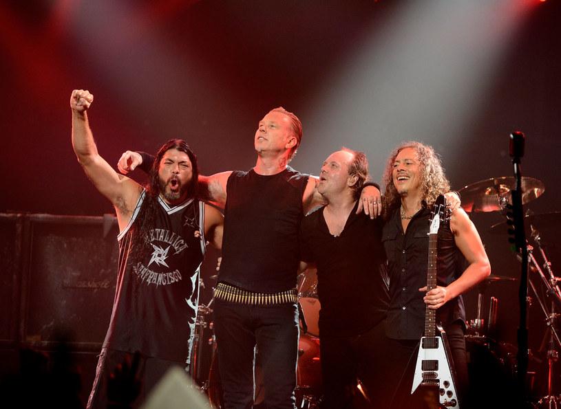 """Kilka dni po opublikowaniu okładki nadchodzącej płyty """"Hardwired… To Self-Destruct"""", Metallica została oskarżona przez internautów o plagiat."""