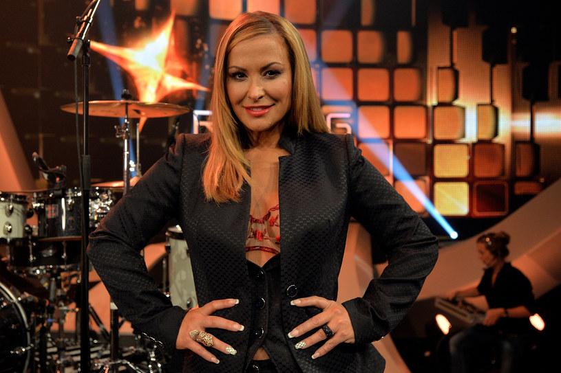 Amerykańska piosenkarka spróbuje swoich sił w brytyjskim show tanecznym .