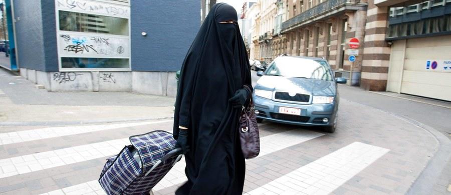 Muzułmanka nie może przychodzić do wieczorowego gimnazjum z twarzą zasłoniętą nikabem. Taką decyzję podjął sąd administracyjny w Osnabruecku w  Dolnej Saksonii.