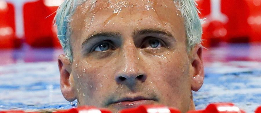 Pływak Ryan Lochte, który był w Rio de Janeiro bohaterem skandalu, po tym jak wymyślił sobie, że został napadnięty na stacji benzynowej, będzie wezwany do złożenia zeznań przed brazylijskim Departamentem Sprawiedliwości - podała jedna z amerykańskich stacji.