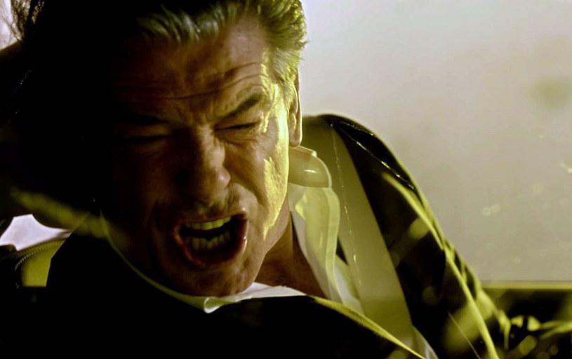 """23 września na ekrany polskich kin trafi thriller """"Kontrola absolutna"""" z główną rolą Pierce'a Brosnana. Premierowo w Interii możecie zobaczyć plakat i zwiastun obrazu"""