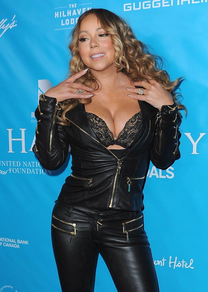 Menedżer Mariah Carey ze śmiechem zdementował plotki na temat swojej podopiecznej. Piosenkarka miała wyrzucić przez okno komputer narzeczonego, po tym jak ujrzała na liście odtwarzania piosenki Beyonce.