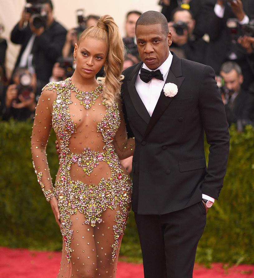 W poniedziałek 22 sierpnia Jay Z zatrzymał natrętnego fana, który znalazł się zbyt blisko Beyonce.