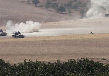 Inwazja turecka na tereny ISIS w Syrii. Rebelianci wspierani przez Ankarę zdobyli miasto Dżarabulus