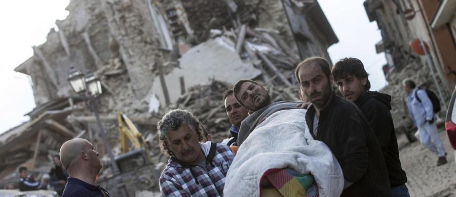 Caritas Polska w odpowiedzi na apel papieża Franciszka oraz włoskiej Caritas prowadzi zbiórkę środków dla osób poszkodowanych w trzęsieniu ziemi, które miało miejsce w środkowych Włoszech ubiegłej nocy. Wsparcie można przekazać poprzez SMS z hasłem POMAGAM numer 72052 (koszt 2,46 z VAT) oraz poprzez wpłaty na konto Caritas Polska PL 77 1160 2202 0000 0000 3436 4384 z dopiskiem WŁOCHY.