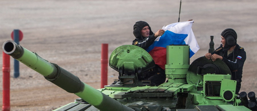 Manewry wojskowe z udziałem około 8 tysięcy żołnierzy i ponad 3 tysięcy pojazdów rozpoczęły się w położonych na południu Federacji Rosyjskiej Czeczenii i Dagestanie. Informację przekazało ministerstwo obrony w Moskwie, cytowane przez agencję Interfax.
