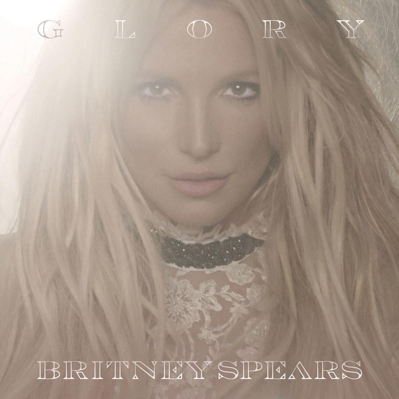 """O nowej płycie Britney Spears można było dowiedzieć się sporo na wiele tygodni przed jej premierą. Że jest wyczekiwana, ponoć najbardziej osobista w dorobku, przedstawiająca """"dojrzałą Britney"""", mniej popowa bardziej chilloutowa, wprowadzająca twórczość Spears na wyższy poziom. Większość tych stwierdzeń sprzedała nam sama wokalistka, która nie ukrywa zadowolenia z albumu. Komu jeszcze spodoba się """"Glory""""?"""