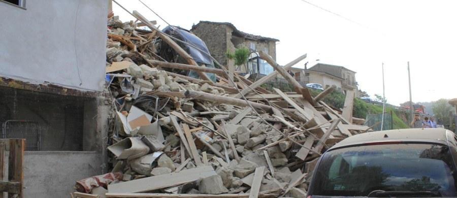 Rozpoczęły sie pogrzeby ofiar tragicznego trzęsienia ziemi we Włoszech. W sobotę odbędzie się tam dzień żałoby narodowej. Zaplanowana jest także państwowa uroczystość, w której weźmie udział prezydent kraju - Sergio Mattarella. Według najnowszych informacji - w tragedii zginęło 267 osób. Rannych jest prawie czterysta.