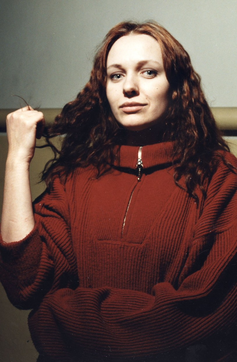 30 sierpnia 1971 roku w Szczecinie urodziła się Katarzyna Nosowska. Artystka wszechstronnie uzdolniona: piosenkarka, felietonistka, laureatka dziesiątek nagród i wyróżnień, niezmiennie zaliczana do ścisłej czołówki autorów tekstów. Od 24 lat wokalistka zespołu Hey, z sukcesami działająca także solowo.