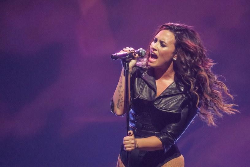 Amerykańska gwiazda po raz kolejny wypowiedziała się na temat swoich przeszłych problemów z uzależnieniem od narkotyków i alkoholu. Według Lovato odwyk pomógł jej nie tylko wyjść z nałogów, ale także zerwać z disneyowskim wizerunkiem.