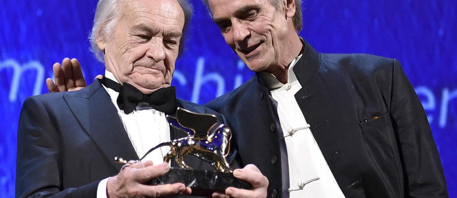 Reżyser Jerzy Skolimowski otrzymał na festiwalu filmowym w Wenecji nagrodę Złotego Lwa za całokształt twórczości. Wręczono mu ją w czasie gali inaugurującej 73. edycję tej prestiżowej imprezy.