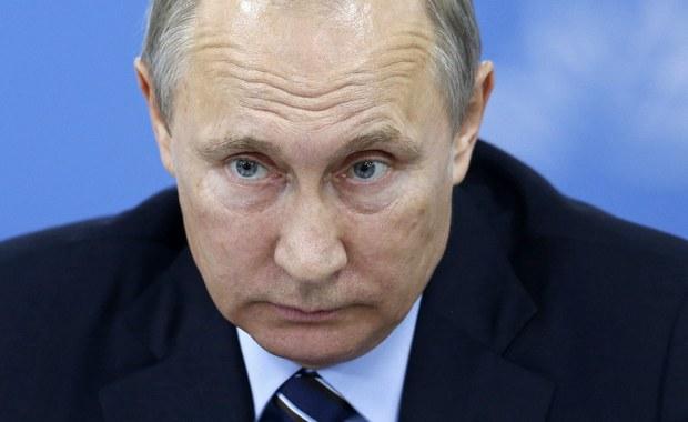 """Prezydent Rosji Władimir Putin ostrzegł przed rewidowaniem wyników II wojny światowej, gdyż - jak ocenił - """"otworzyłoby to puszkę Pandory"""". Zauważył, że dotyczyłoby to terytoriów należących przed wojną do Polski oraz dawnych wschodnich ziem Niemiec."""