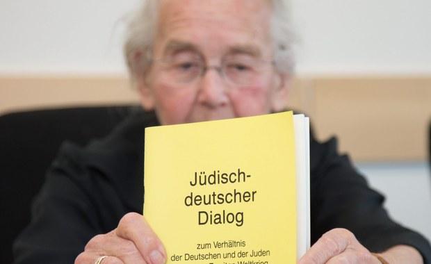 87-letnia Ursula Haverbeck została skazana na osiem miesięcy więzienia. Taki wyrok zapadł przed sądem w Detmold w Niemczech. Kobieta od lat kwestionuje Holocaust - utrzymuje, że Auschwitz był zaledwie obozem pracy, a nie zagłady.