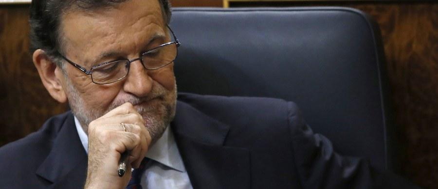 Klincz polityczny w Hiszpanii trwa: w piątek w drugim od wtorku głosowaniu, w którym konserwatyście Mariano Rajoyowi wystarczyłaby do reelekcji na premiera zwykła większość głosów (176), uzyskał ich tylko 170. Jeśli w ciągu 2 miesięcy to się nie zmieni, kraj czekają wybory.