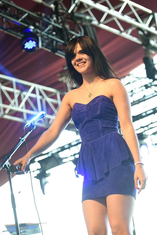 Natasha Khan, występująca jako Bat For Lashes, pomogła swojemu przyjacielowi się oświadczyć. Do sytuacji doszło na scenie, podczas koncertu brytyjskiej wokalistki.